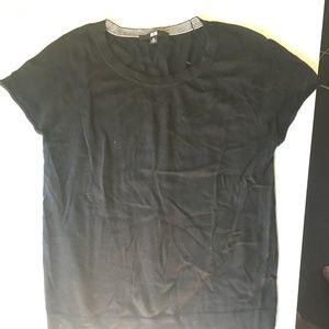Women's Uniqlo XS shirt